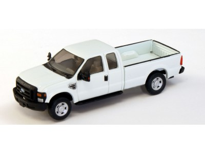 536-5257.01 - HO Scale River Point Station Ford F-250 XLT Super Cab - White