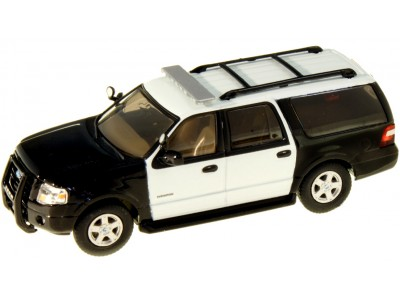 536-7607.89 - River Point Station 2007 Ford Expedition EL SSP - Black & White