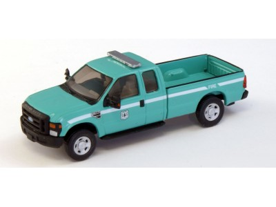 538-5257.07 - HO Scale River Point Station Ford F-250 XLT Super Cab - Green, Forest Service