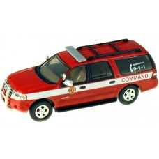 538-7607.R5 - HO Scale River Point Station 2007 Ford Expedition EL SSP - Red; Fire Command